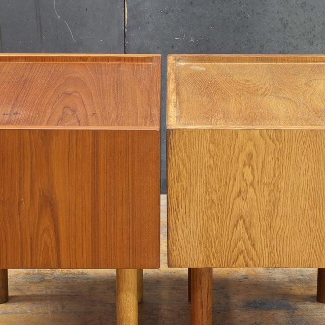 Hans Wegner Bedside Nightstand Pair Vintage Mid Century Modern Ry Mobler Teak Oak For Sale - Image 9 of 10