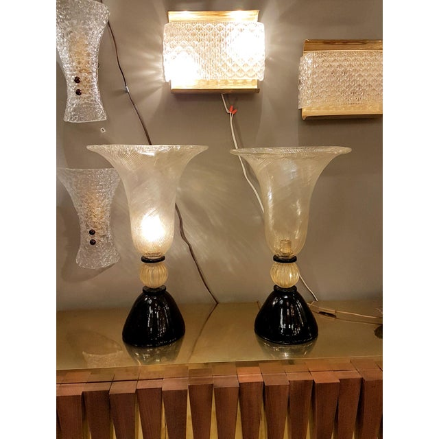 Metal Venini mid-century modern gold & black Murano glass Urn lamps - a pair For Sale - Image 7 of 8