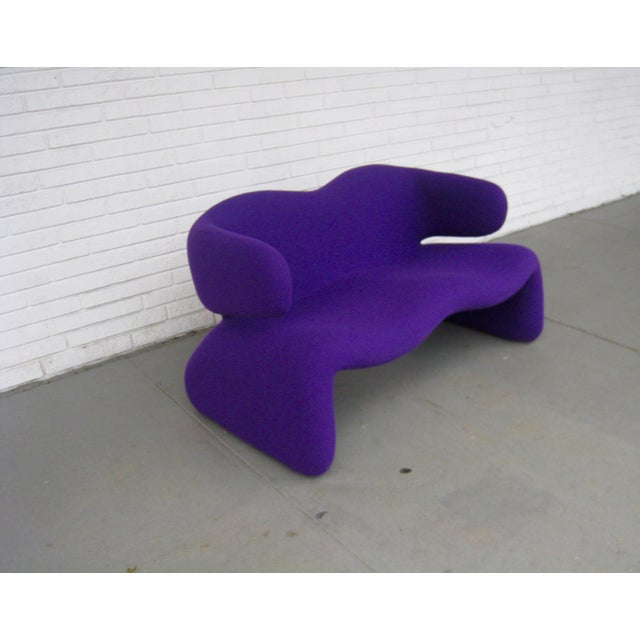 "Olivier Mourgue 1966 Olivier Mourgue ""Djinn"" Purple Wool Upholstered Sofa For Sale - Image 4 of 13"
