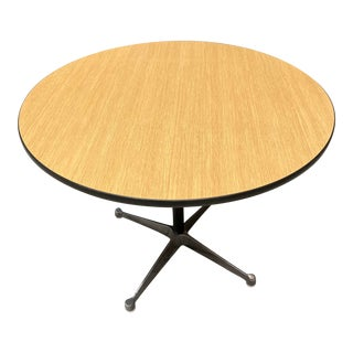 Mid-Century Modern Herman Miller Eames Aluminum Group Cafe Table For Sale