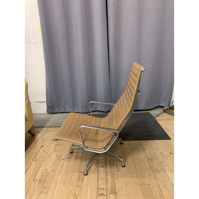 Mid 20th Century Mid-20th Century Eames Aluminum Group Lounge Chair For Sale - Image 5 of 12