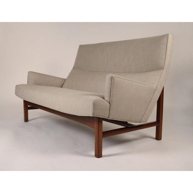 1960s 1960s Jens Risom Walnut Cradled Settee For Sale - Image 5 of 6