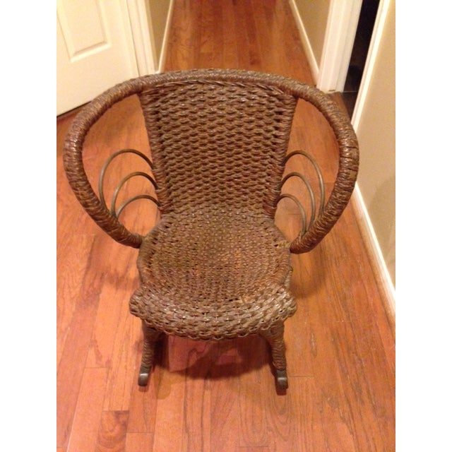 American Mfg Vintage Child's Rocking Chair - Rush Weaving - Excellent Condition For Sale - Image 3 of 11