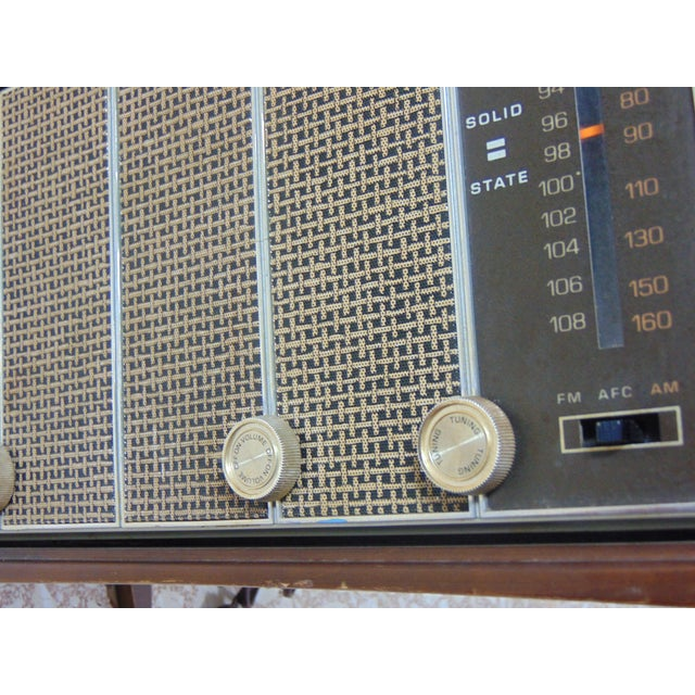 Brown 1930s Vintage Zenith Brown Radio For Sale - Image 8 of 12