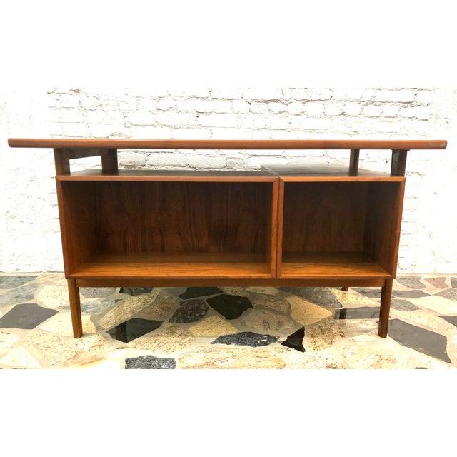 """Mid-Century Danish Modern Sibast """"Floating"""" Teak Desk & Chair For Sale In New York - Image 6 of 13"""