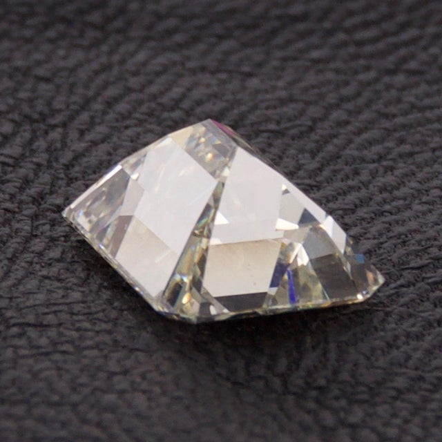 Stunning Emerald Cut Diamond Stone 4.08 Carat, Gia Certified Report For Sale In San Diego - Image 6 of 9