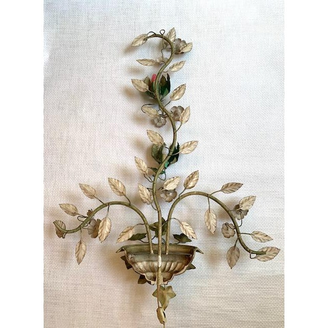 Vintage Urn Floral Tole Wall Sconce For Sale In New York - Image 6 of 8