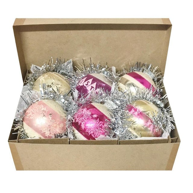 1960's Vintage Shiny Brite Pink Christmas Tree Ornaments - Set of 6 For Sale - Image 4 of 6