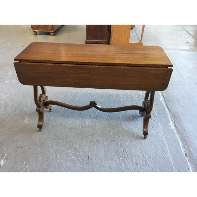British Colonial Beacon Hill Console Table Old Colony Collection #304 For Sale - Image 3 of 9