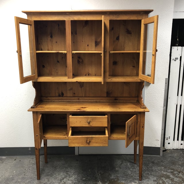 Late 19th Century Borkholder Vintage Amish Crafted Sideboard + Hutch For Sale - Image 5 of 10