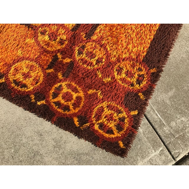 "Abstract Vintage Rya Shag Rug - 6'1/2"" x 10"" For Sale - Image 3 of 5"