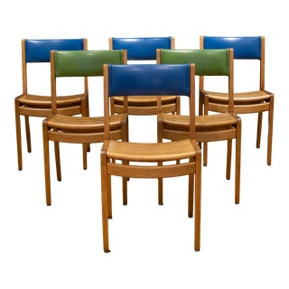 Set of Mid-Century Gunlocke Oak and Vinyl Library Chairs C.1960 For Sale