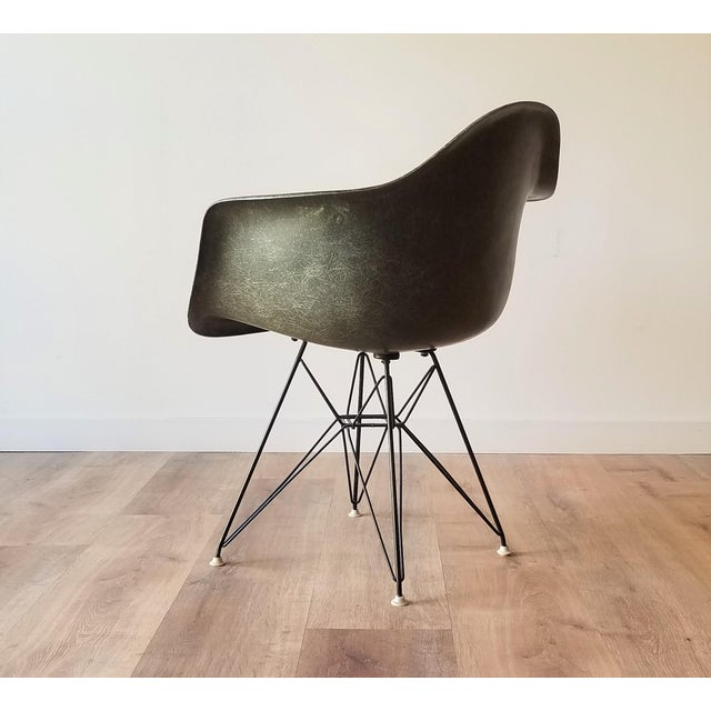 Herman Miller 1960s Olive Green Eames DAR Eiffel Chair For Sale - Image 4 of 13