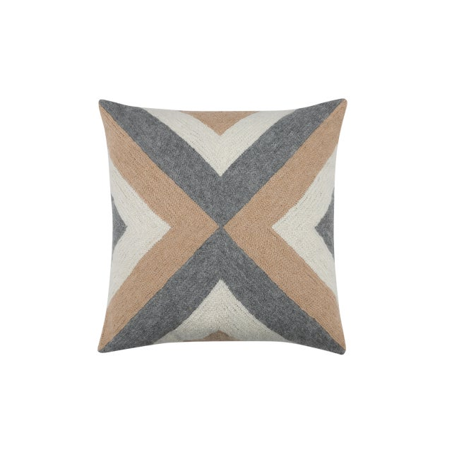 100% Baby Alpaca Grinda Square Pillow For Sale