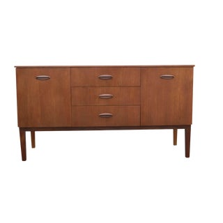 1970 Mid Century Modern Compact Teak Credenza Buffet For Sale