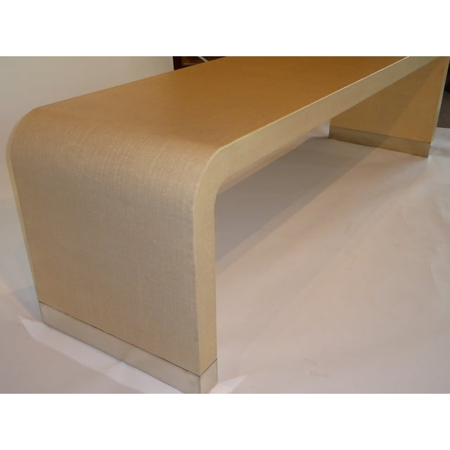 1970s Long Muriel Rudolph Modern Lacquered Grass Cloth Waterfall Console Table - Image 6 of 11