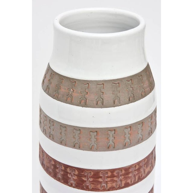 Bitossi Italian Rare Aldo Londi Bitossii Ceramic Vase or Sculpture For Sale - Image 4 of 9