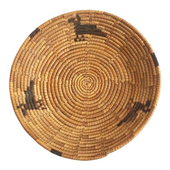 Vintage Native American Tohono O'Odham Basket Tray With Bird Motif For Sale