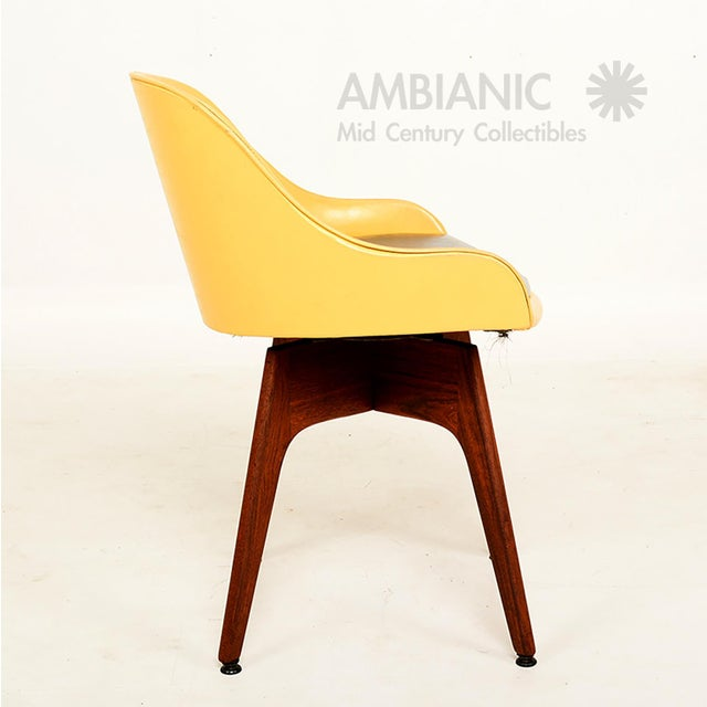 Mid-Century Danish Modern Walnut Revolving Chair For Sale - Image 4 of 10