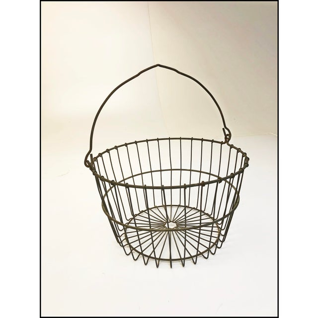 1950s Vintage Rustic Wire Metal Egg Basket With Handle For Sale - Image 5 of 10