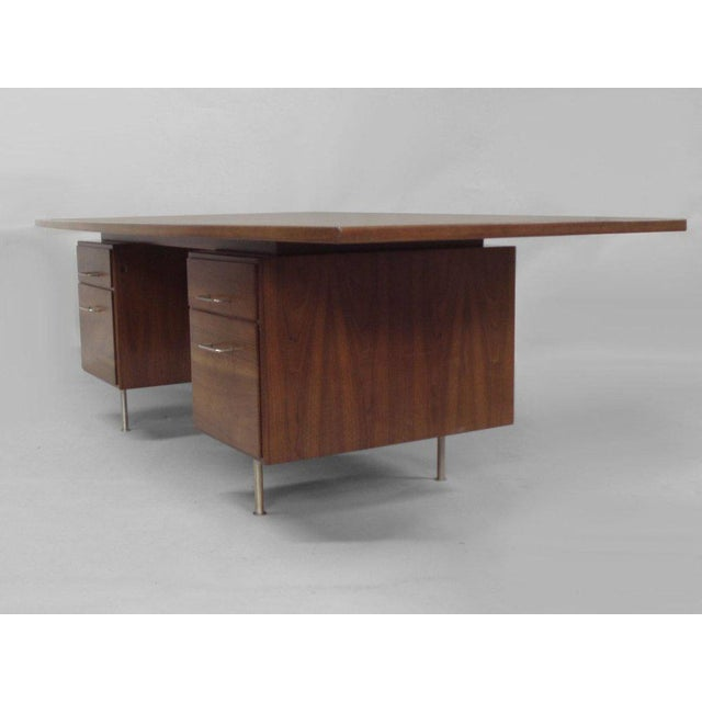 Large Walnut Exécutive Desk by Jens Risom - Image 3 of 4
