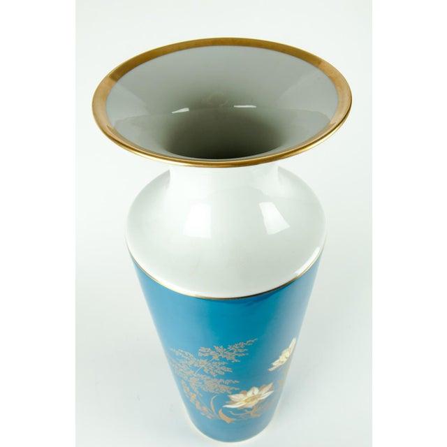 Very Tall Vintage Bavarian Porcelain Vase For Sale In New York - Image 6 of 9