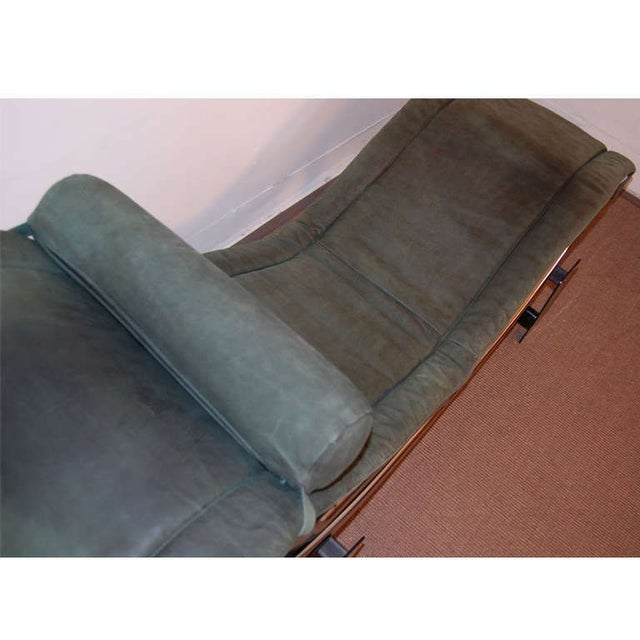 Cassina Le Corbusier LC4 Green Leather Chaise Longue For Sale - Image 4 of 7