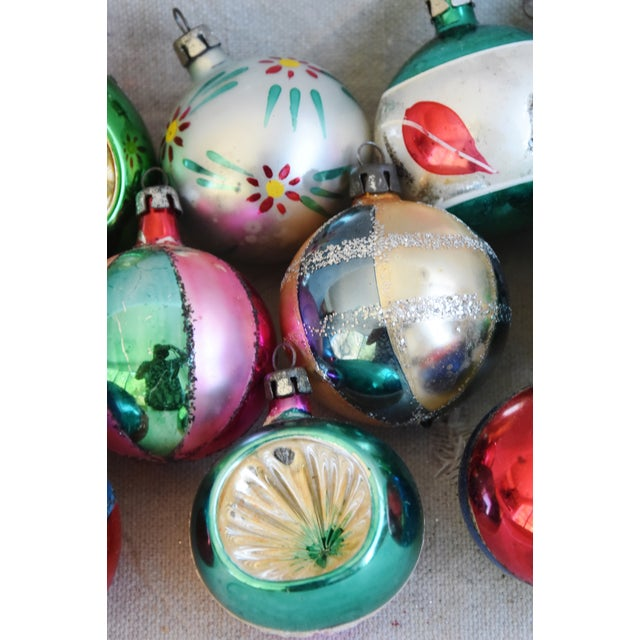 Fancy Midcentury Vintage Colorful Christmas Tree Ornaments W/Box - Set of 12 For Sale In Los Angeles - Image 6 of 9