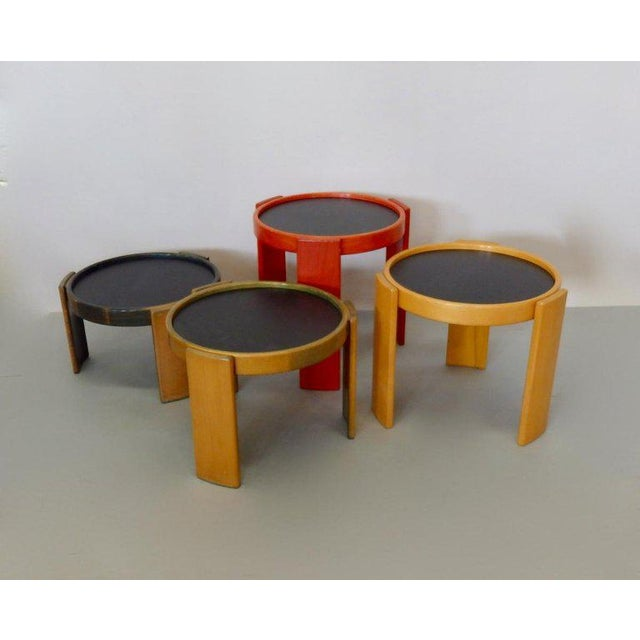 Mid-Century Modern Early Production Gianfranco Frattini for Cassina Flip Top Nesting Tables - Set of 4 For Sale - Image 3 of 12