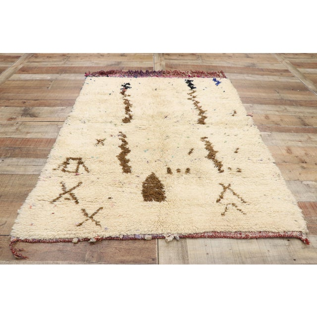 Textile Vintage Berber Moroccan Azilal Rug - 03'07 X 04'09 For Sale - Image 7 of 10