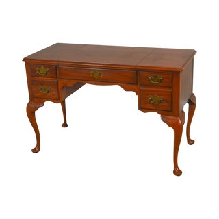 Henkel Harris Solid Cherry Queen Anne Style Vanity For Sale