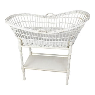 White Oval Tall Wicker and Rattan Baby Bassinet or Crib 20th Century For Sale