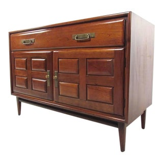 Mid-Century Modern Credenza by Heywood-Wakefield For Sale