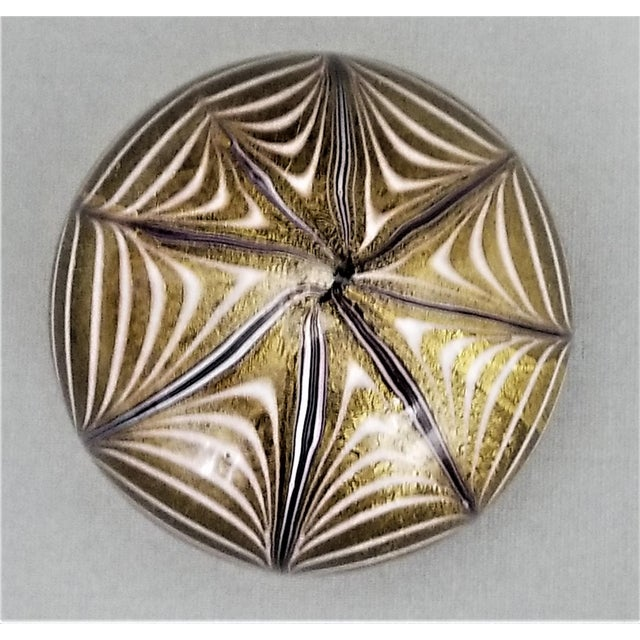 1950s Murano Glass Gold White and Black Fenicio Paperweight - Italy Mid Century Modern Minimalist Palm Beach Boho Chic Italian Venetian Sommerso For Sale - Image 11 of 13