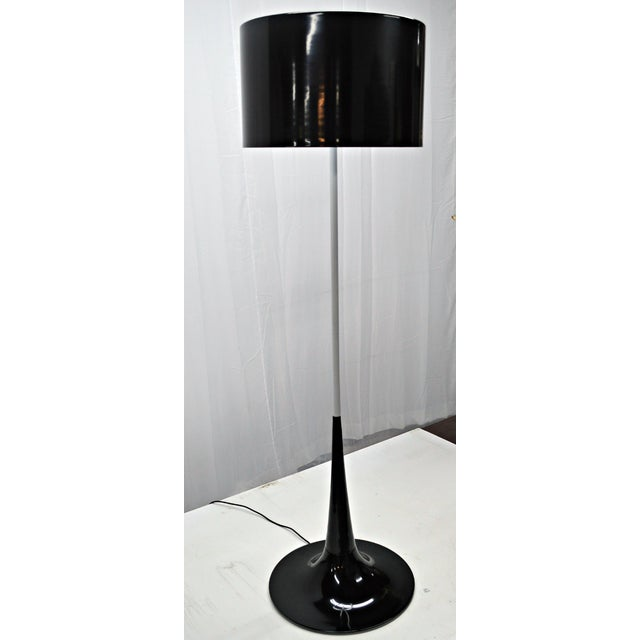 Mid Century Black & White Tulip Floor Lamp - Image 4 of 5