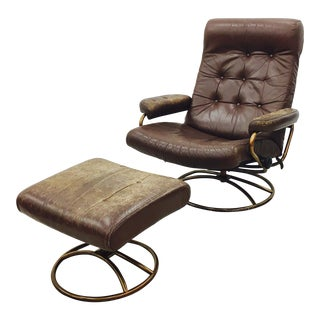 Vintage Mid Century Modern Ekornes Chair & Ottoman For Sale