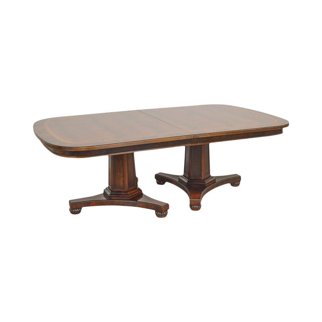 Henredon Historic Natchez Collection Flame Mahogany Regency Dining Table For Sale