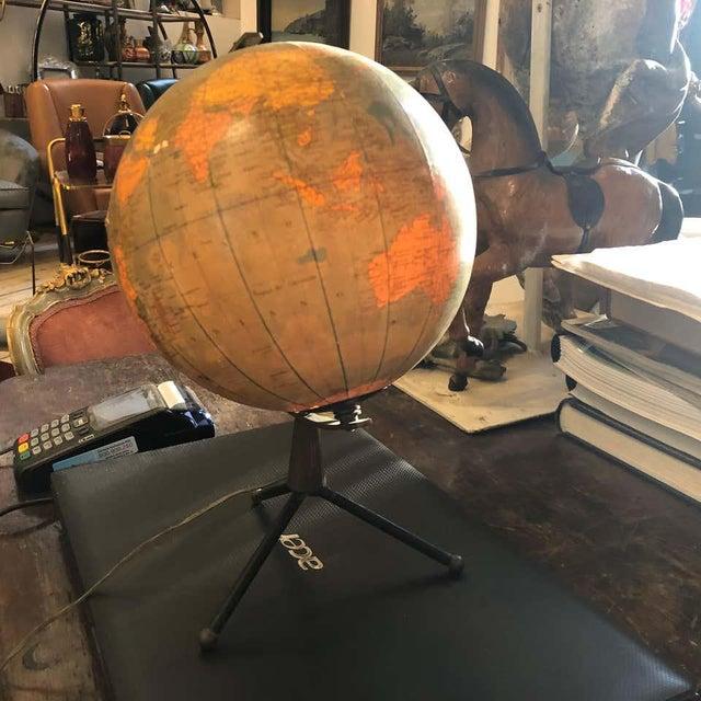 1950s Italian Mid-Century Modern Brass and Bakelite Globe Table Lamp For Sale - Image 12 of 13