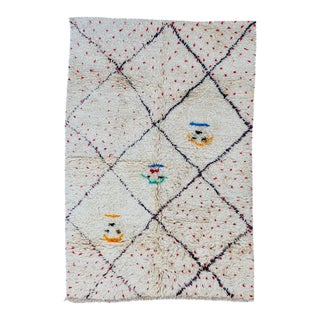 1980s Moroccan Berber Rug- 5′ × 7′3″ For Sale