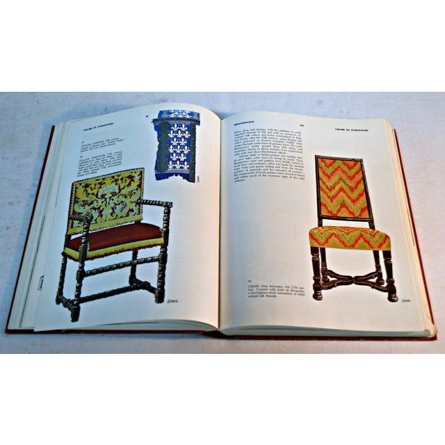 "French 1967 ""The New Encyclopedia of Furniture"" Book by Joseph Aronson For Sale - Image 3 of 5"