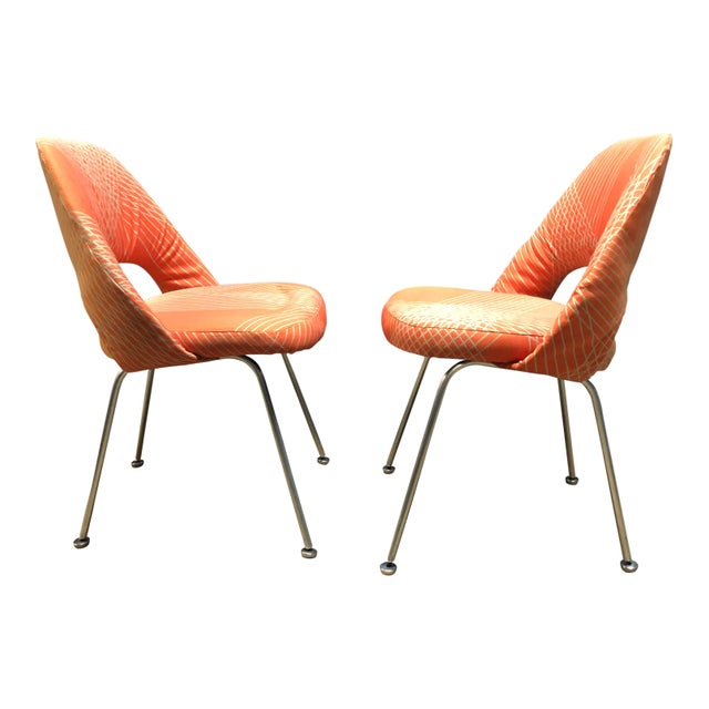 For your consideration are a pair of rare and early Eero Saarinen for Knoll side chairs. These early production examples...