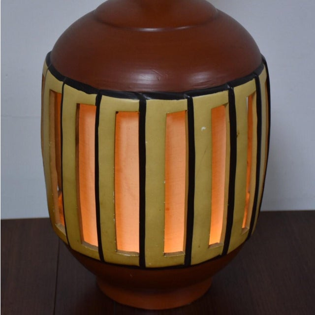 Mid Century Pottery Table Lamp - Image 3 of 9