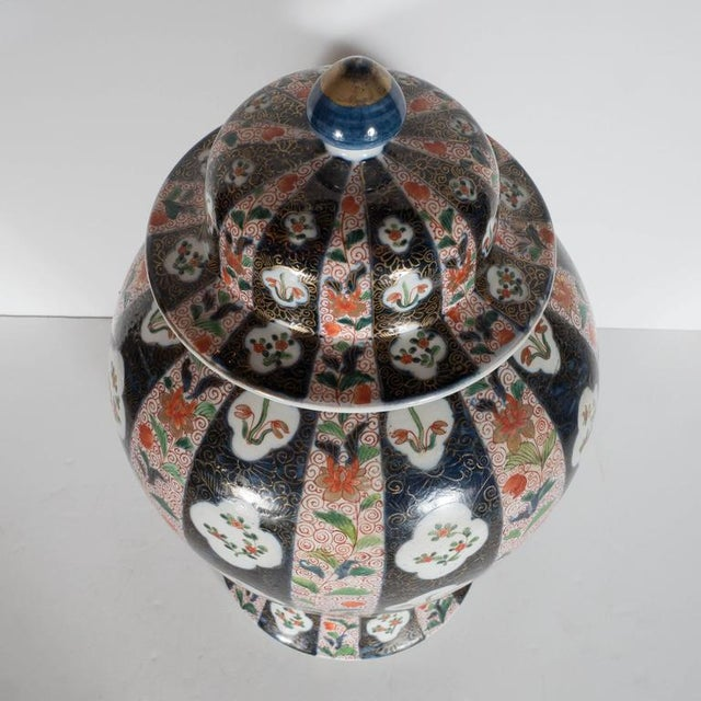Early 20th Century Large-Scale Antique Chinese Porcelain Famille Verte Lidded Vases / Urns For Sale - Image 5 of 11