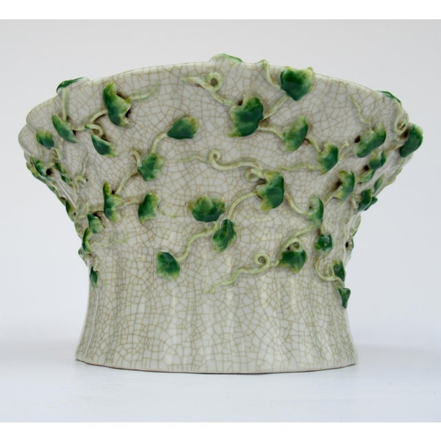 Vintage Ceramic Crackle Center Bowl With Adorned English Ivy by United Wilson/Hong Kong For Sale - Image 4 of 13
