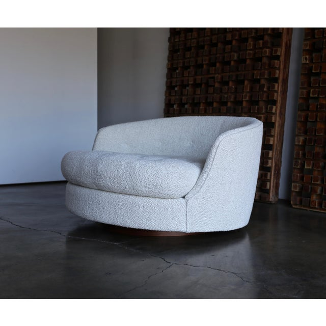 Wood Milo Baughman Large Swivel Lounge Chair for Thayer Coggin, Circa 1970 For Sale - Image 7 of 13