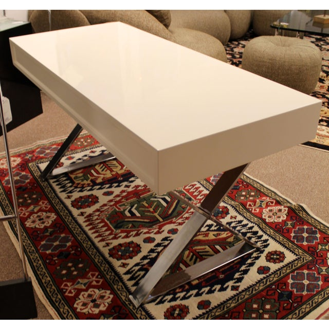 Milo Baughman Mid-Century Modern Milo Baughman White Lacquer Chrome X Base Campaign Desk 1960s For Sale - Image 4 of 11