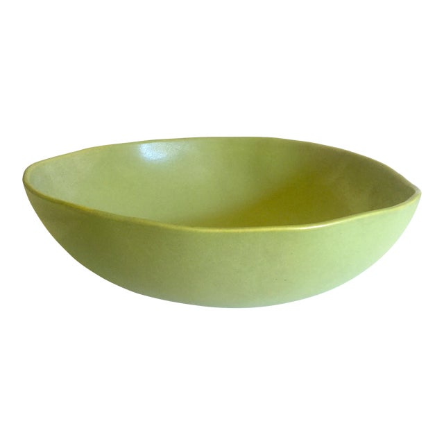 Alex Marshall Studios Pottery Vintage Organic Modernist Extra Large Chartreuse Ceramic Serving Bowl For Sale