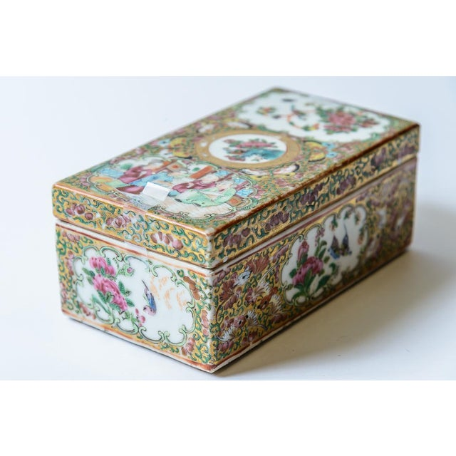 Asian Chinese Rose Medallion Floral Box For Sale - Image 3 of 8