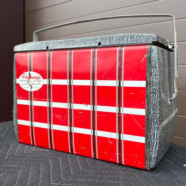 1950s Flamingo Insulated Ice Chest Cooler For Sale - Image 9 of 13