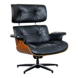 Image of Mid Century Modern Selig Black Vinyl and Walnut Lounge Chair Style Eames Herman Miller For Sale